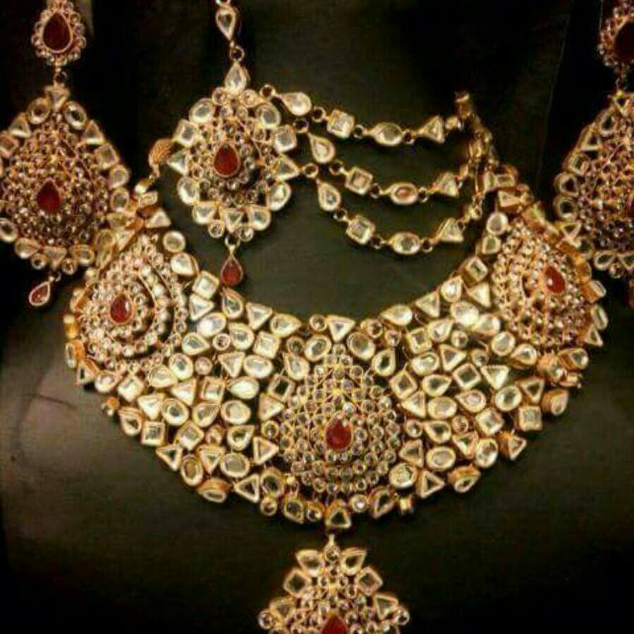 Kundan Jewelery Latest Designs & Trends for Asian Women 2016-2017 (33)