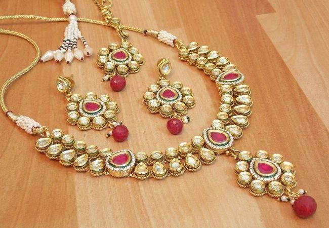 Kundan Jewelery Latest Designs & Trends for Asian Women 2016-2017 (9)
