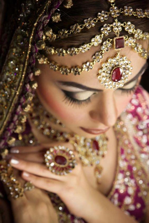 Kundan Jewellery Latest Designs & Trends for Asian Women (1)