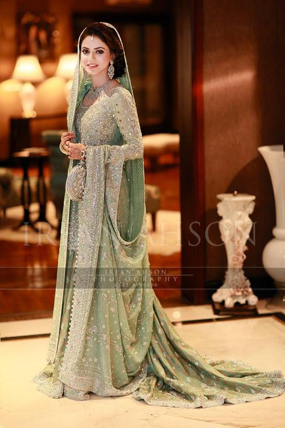 Latest Bridal Engagement Dresses Designs 2016-2017 Collection (1)