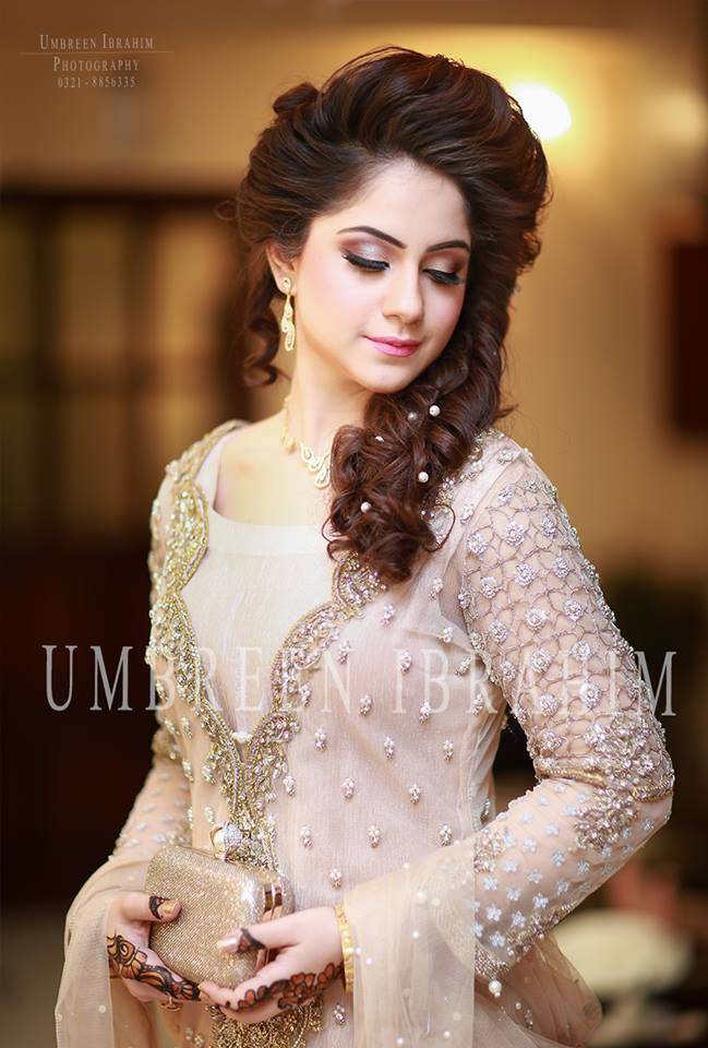 Latest Bridal Engagement Dresses Designs 2016-2017 Collection (15)