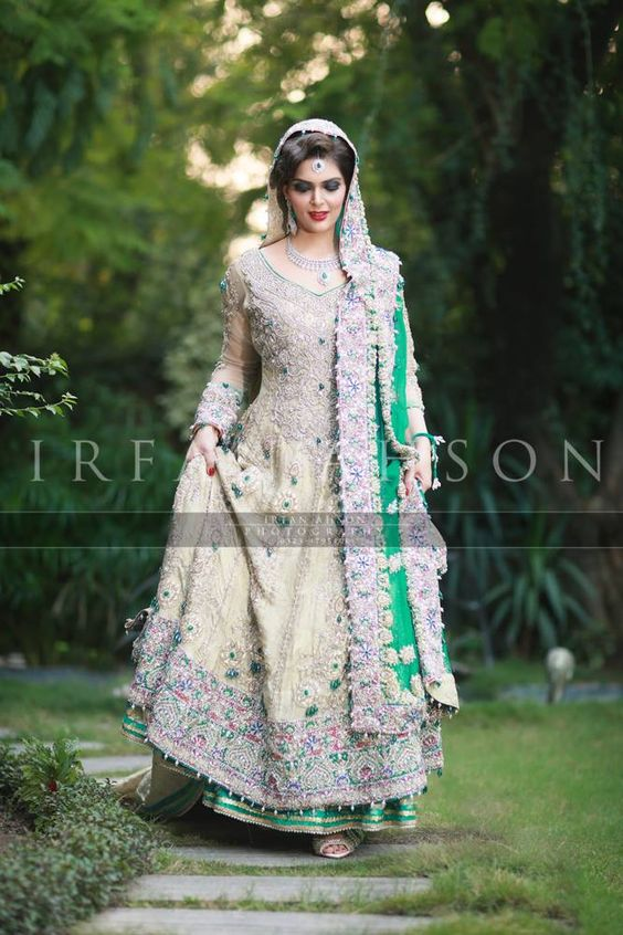 Latest Bridal Engagement Dresses Designs 2016-2017 Collection (22)