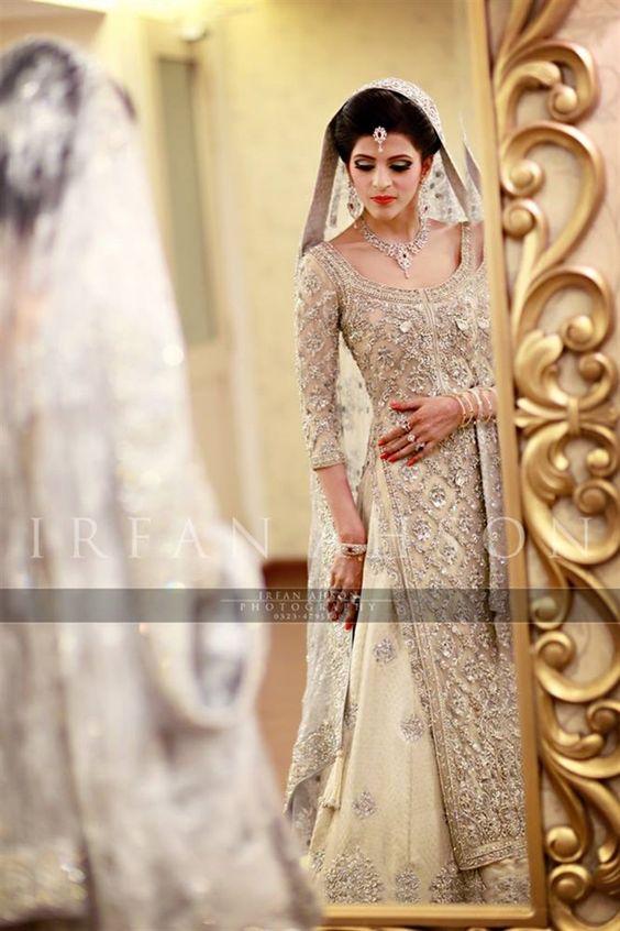 Latest Bridal Engagement Dresses Designs 2016-2017 Collection (25)