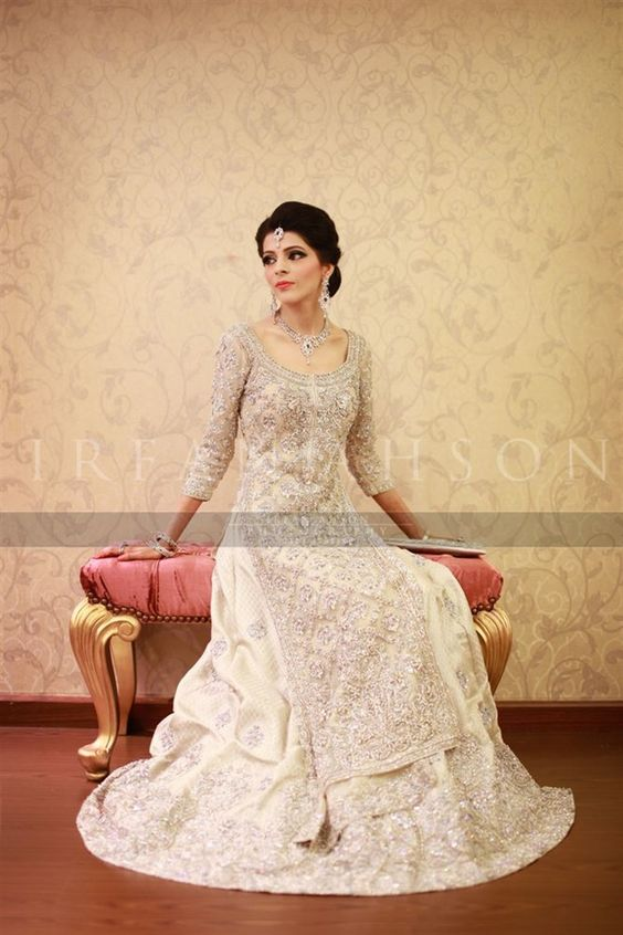 Latest Bridal Engagement Dresses Designs 2016-2017 Collection (31)