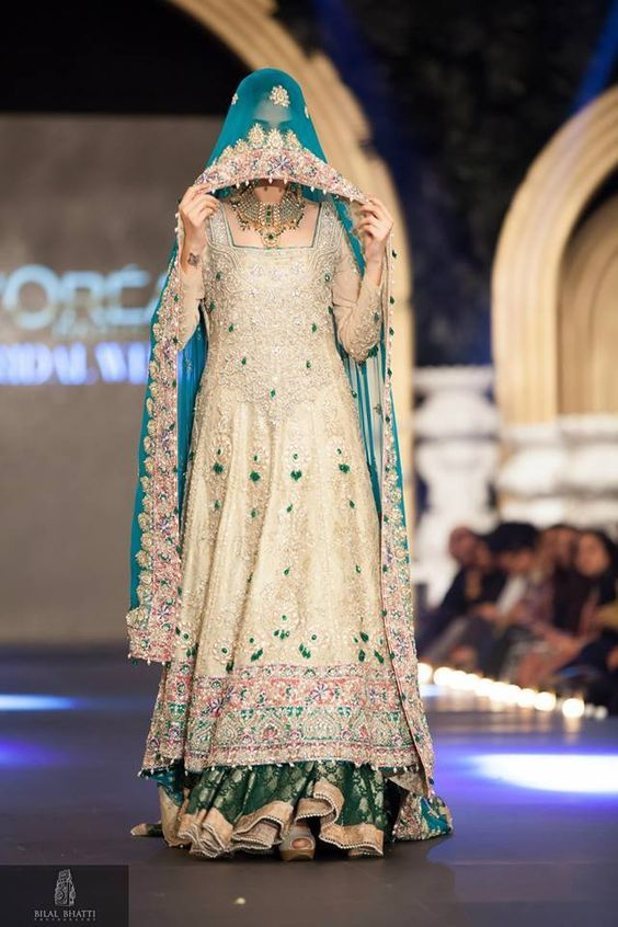 Latest Bridal Engagement Dresses Designs 2016-2017 Collection (39)