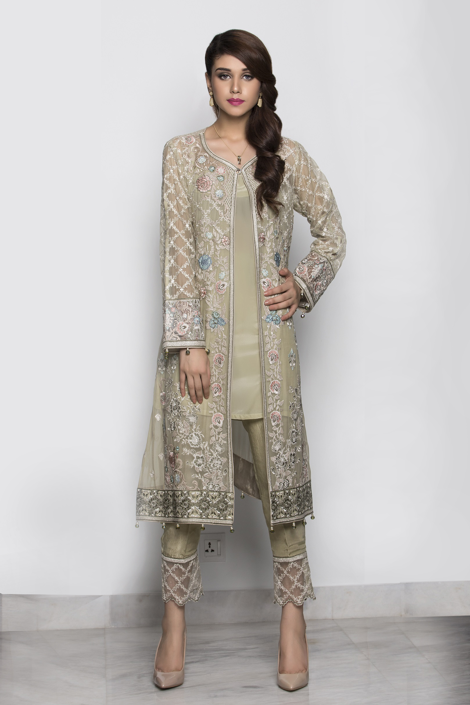Indian Party Wear Salwar Suits Latest Collection We will discuss Indian Party Wear Salwar Kameez Collection for Indian, Pakistani and Asian getessay2016.tk the short length of the shirt is more in, with embroidered patches on the shirt corners, embroidered collars, .
