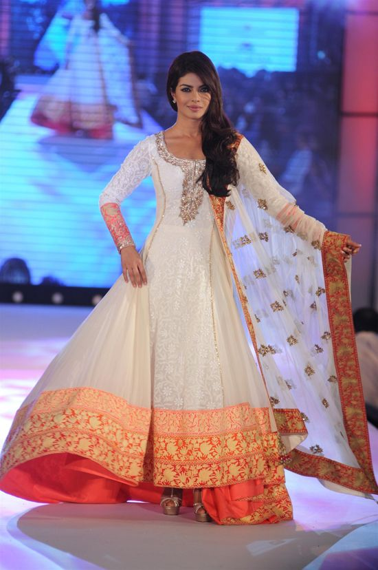 Latest Party Wear & Fancy Wedding Frock Designs Collection 2016-2017 (11)