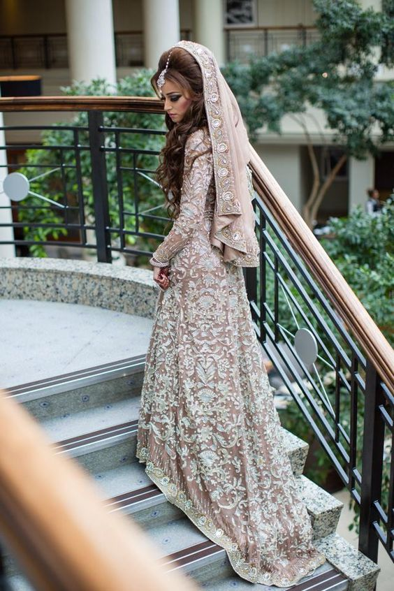 Latest Wedding Maxis Long Tale Dresses Designs Collection 2016-2017 (14)
