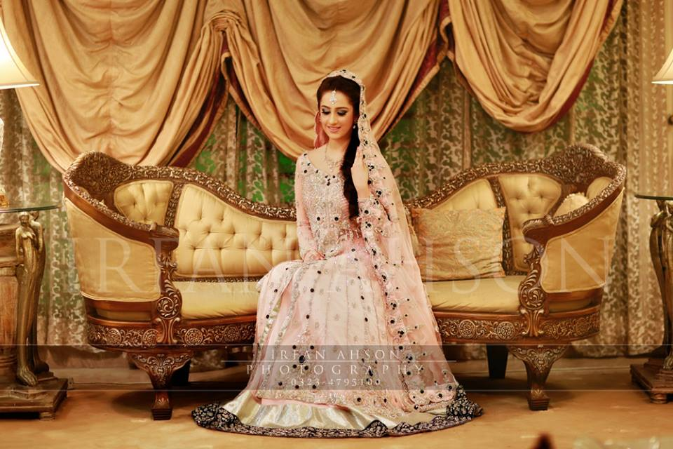 Latest Wedding Maxis Long Tale Dresses Designs Collection 2016-2017 (22)