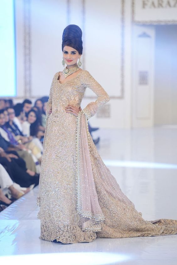 Latest Wedding Maxis Long Tale Dresses Designs Collection 2016-2017 (27)