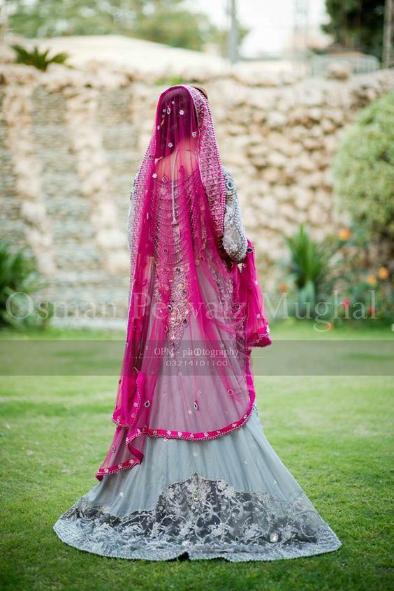 Latest Wedding Maxis Long Tale Dresses Designs Collection 2016-2017 (3)