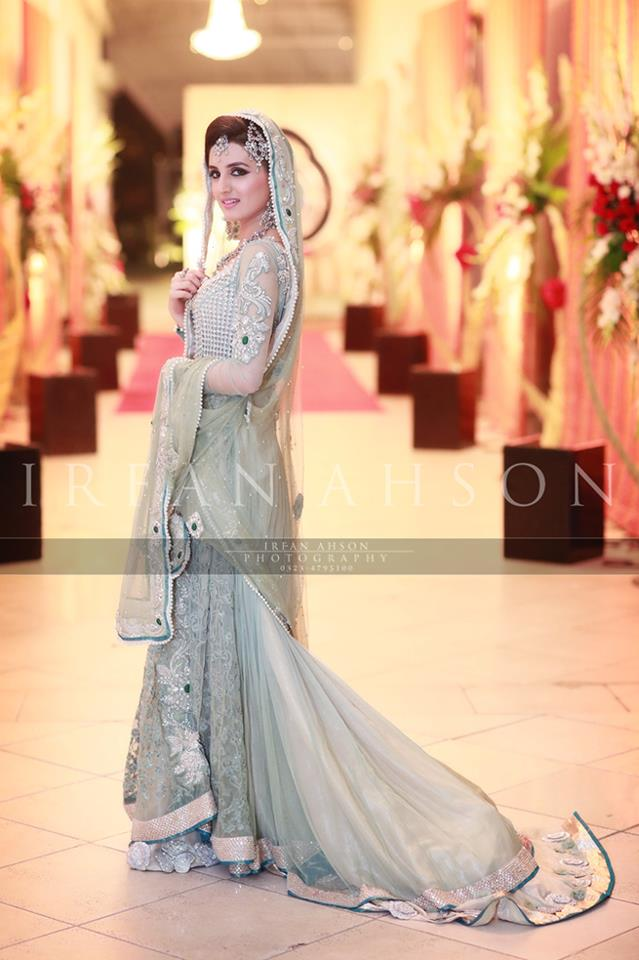 Latest Wedding Maxis Long Tale Dresses Designs Collection 2016-2017 (30)