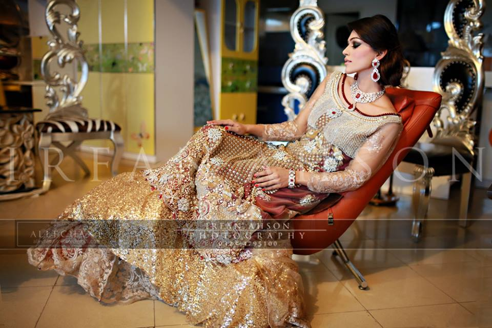 Latest Wedding Maxis Long Tale Dresses Designs Collection 2016-2017 (37)