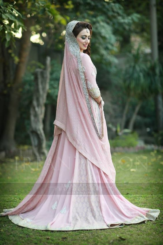 Latest Wedding Maxis Long Tale Dresses Designs Collection 2016-2017 (43)