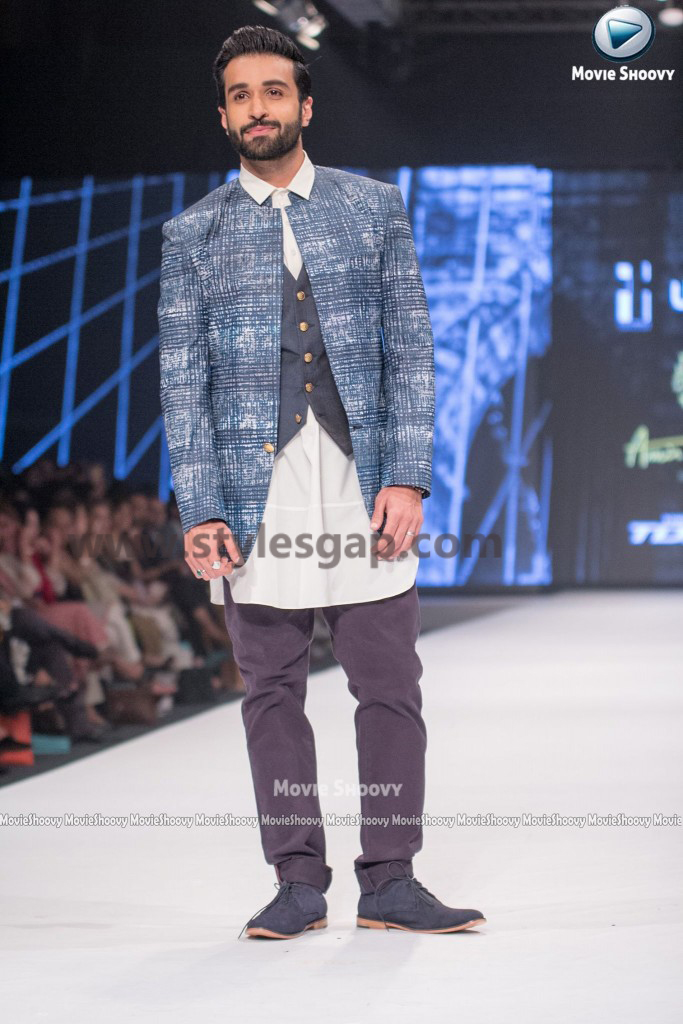 AZFAR REHMAN- Showstopper in fashion week Pakistan 2016-2017 (1)