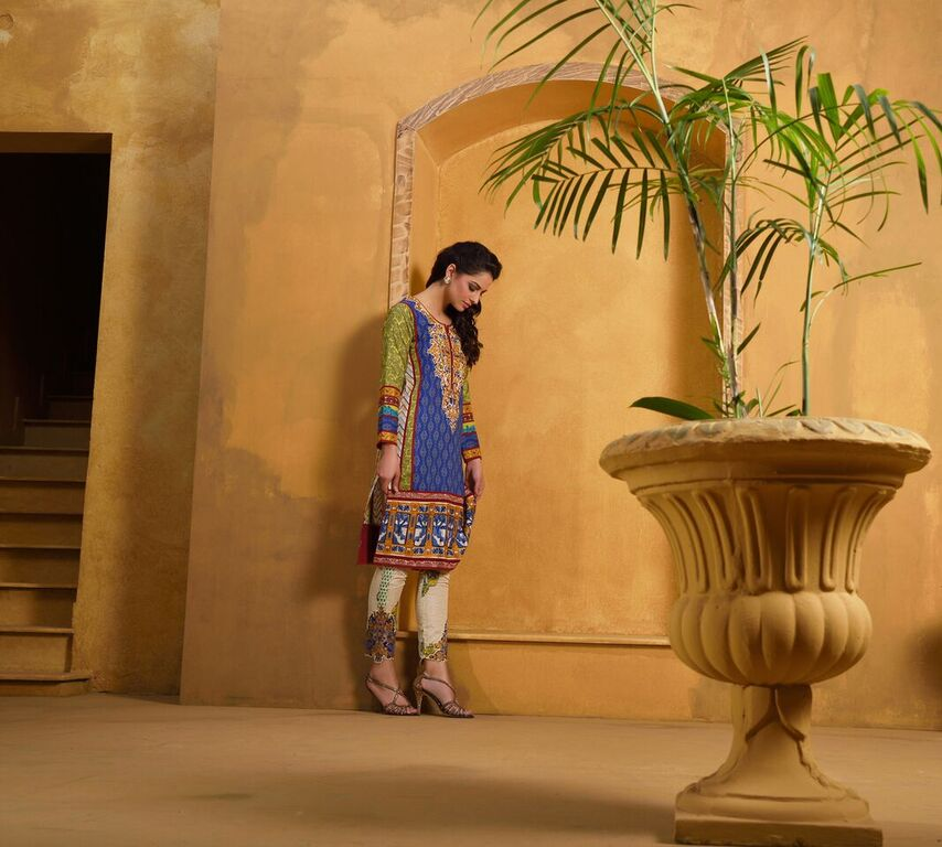 Asim Jofa Summer Luxury Lawn Collection 2016- Behind the Shoot (18)