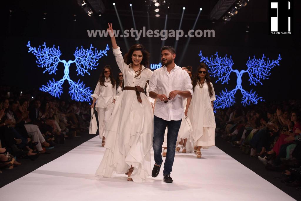 HUMAIMA MALIK- Showstoppers in Pakistan Fashion Week 2016-2017 (4)