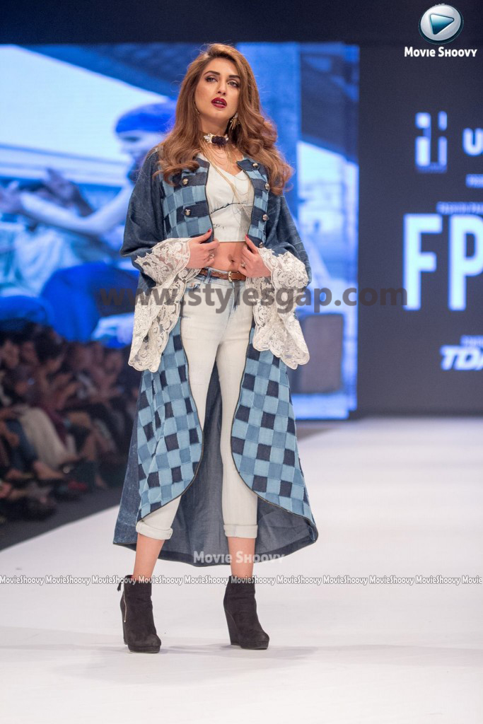 IMAN ALI- Showstopper in fashion week Pakistan 2016-2017 (1)