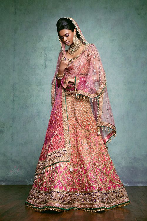 Latest indian designer bridal dresses wedding trends 2018 for Current wedding dress trends