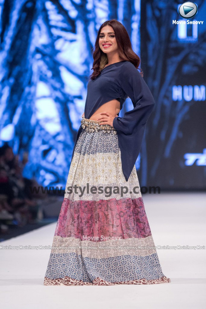 SONIYA HUSAIN- Showstopper in fashion week Pakistan 2016-2017 (3)