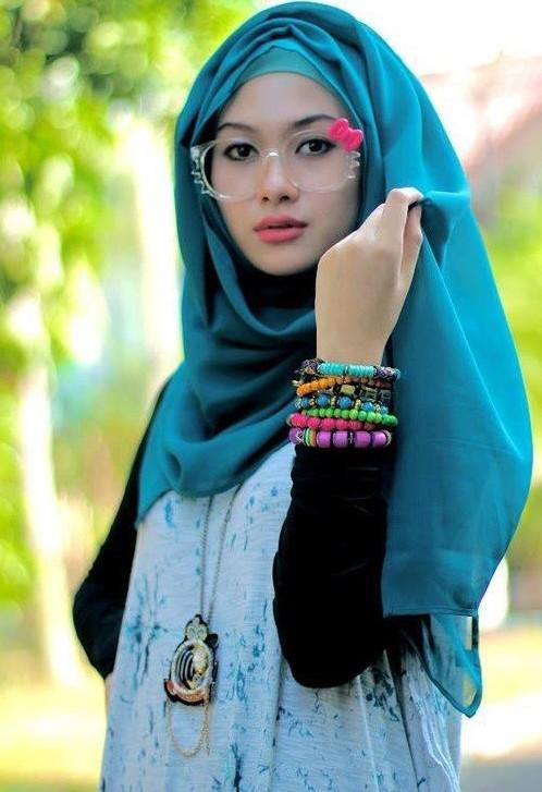 chin high-latest hijab styles