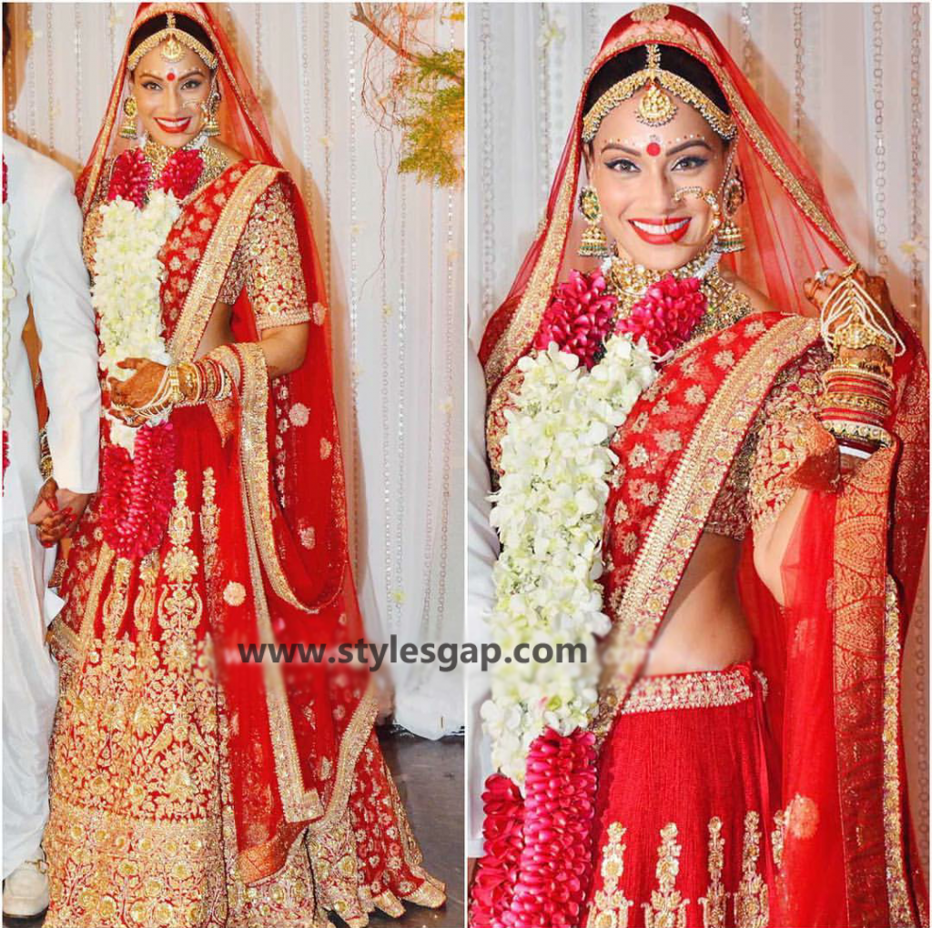 Bipasha-basu-and-karan-singh-grover-Wedding-sabyasachi wedding dress