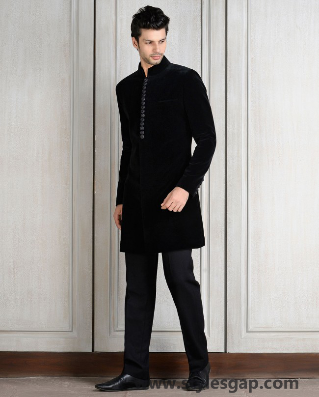 Manish Malhotra Wedding Sherwanis & Party Suits for Men 2016-2017 Collection (1)