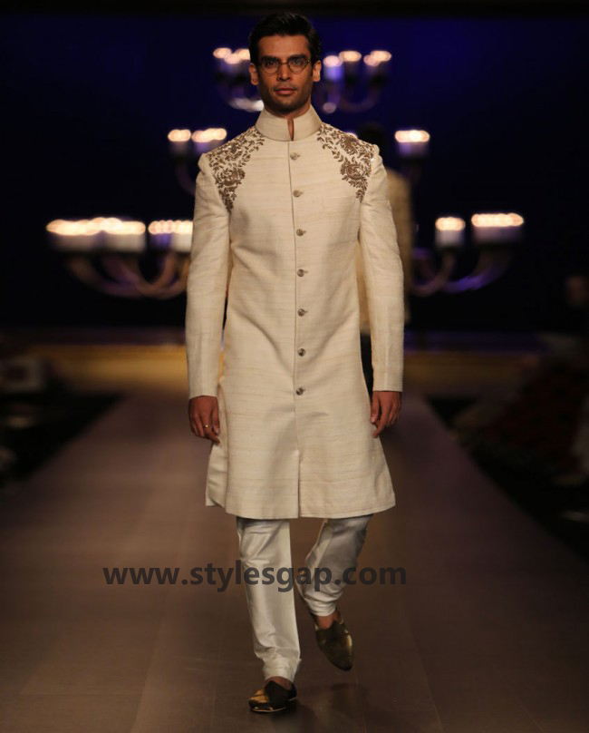 Manish Malhotra Wedding Sherwanis & Party Suits for Men 2016-2017 Collection (16)