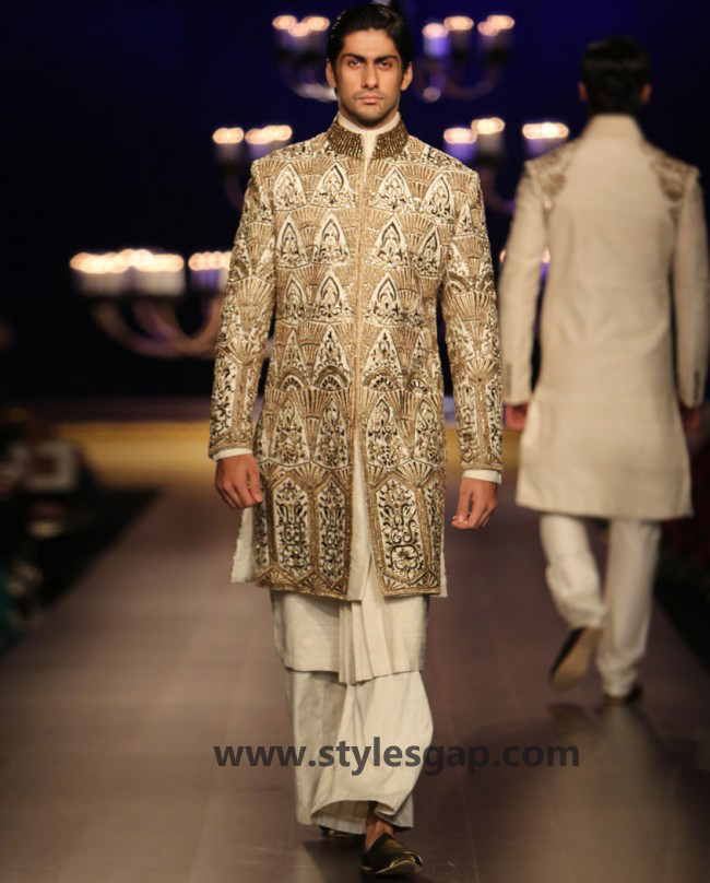 Manish Malhotra Wedding Sherwanis & Party Suits for Men 2016-2017 Collection (19)