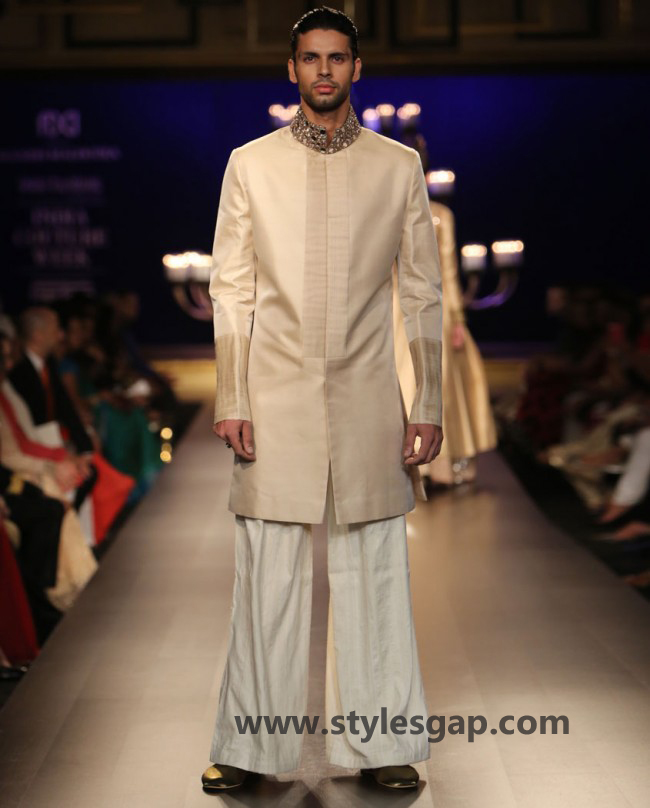 Manish Malhotra Wedding Sherwanis & Party Suits for Men 2016-2017 Collection (23)
