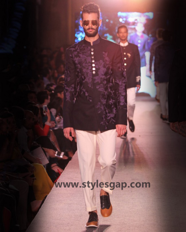 Manish Malhotra Wedding Sherwanis & Party Suits for Men 2016-2017 Collection (5)