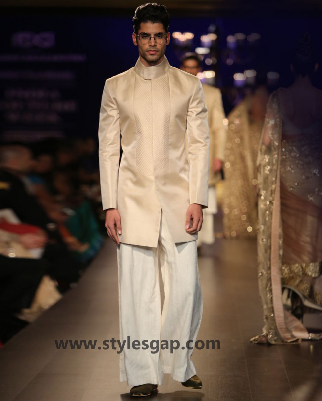 Manish Malhotra Wedding Sherwanis & Party Suits for Men 2016-2017 Collection (8)