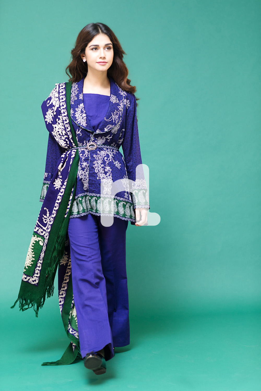 Latest Pakistani Fashion 2019-20: Medium Shirts With