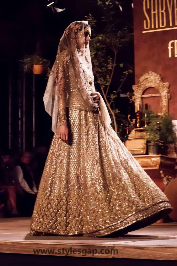 Sabyasachi Mukherjee Latest Wedding Dresses 2016-2017 Collection. Lehengas, Sarees (15)