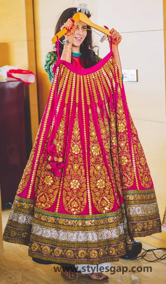 Sabyasachi Mukherjee Latest Wedding Dresses 2016-2017 Collection. Lehengas, Sarees (31)