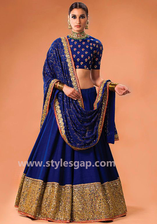 Sabyasachi Mukherjee Latest Wedding Dresses 2018-2019 ... Sabyasachi Anarkali Suits Collection 2013
