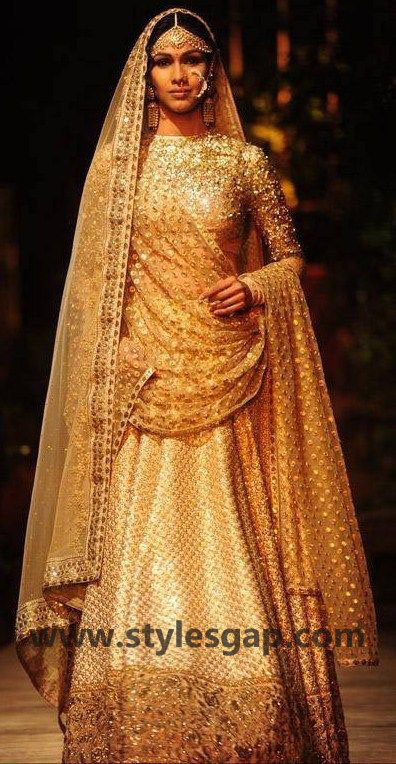 Sabyasachi Mukherjee Latest Wedding Dresses 2016-2017 Collection. Lehengas, Sarees (39)