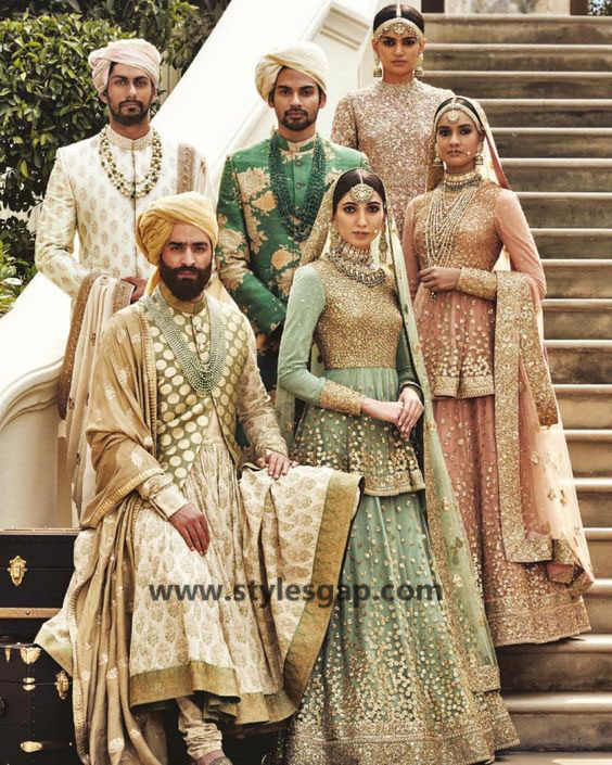 Sabyasachi Mukherjee Latest Wedding Dresses 2016-2017 Collection. Lehengas, Sarees (7)
