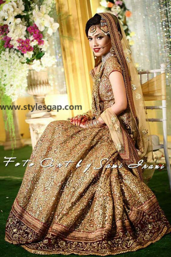 Sabyasachi Mukherjee Latest Wedding Dresses 2016-2017 Collection. Lehengas, Sarees (9)