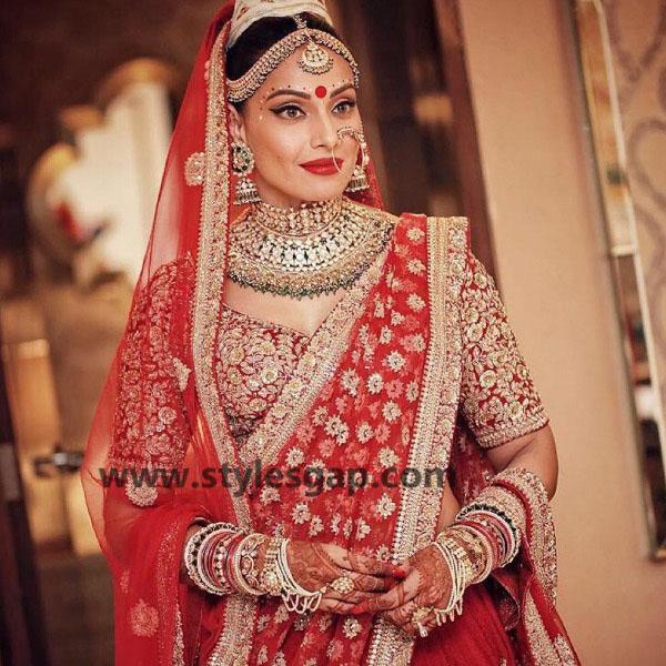bipasha-basu in sabyasachi mukherjee red wedding lehenga dress
