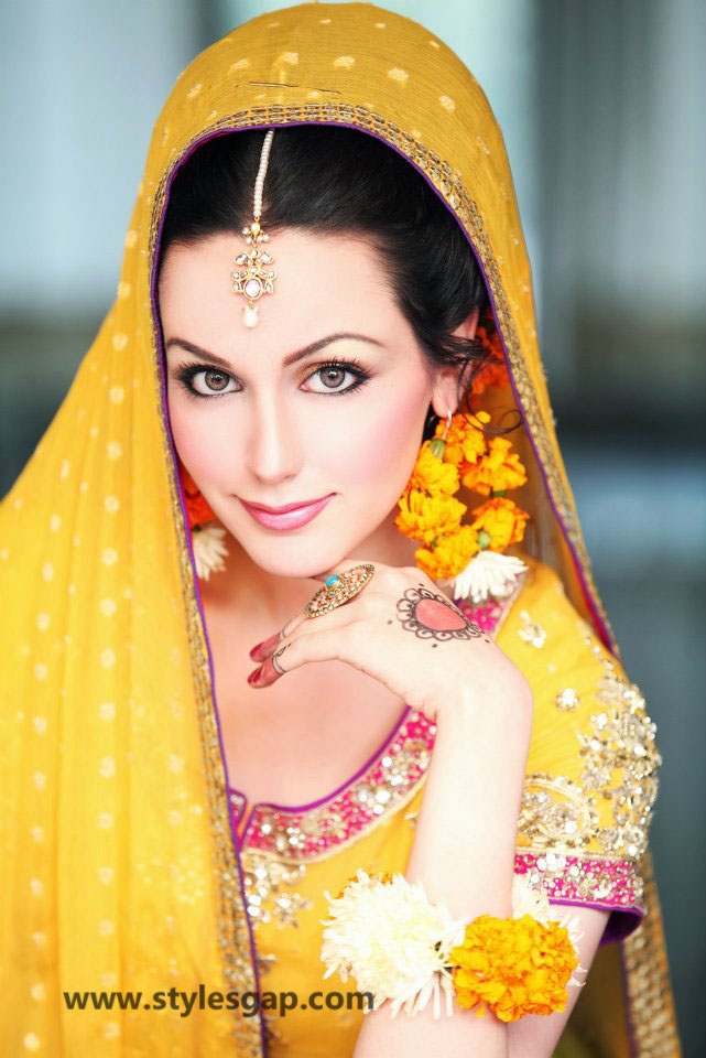 Mayun Bridals Makeup Looks & Dresses Designs & Trends (20)