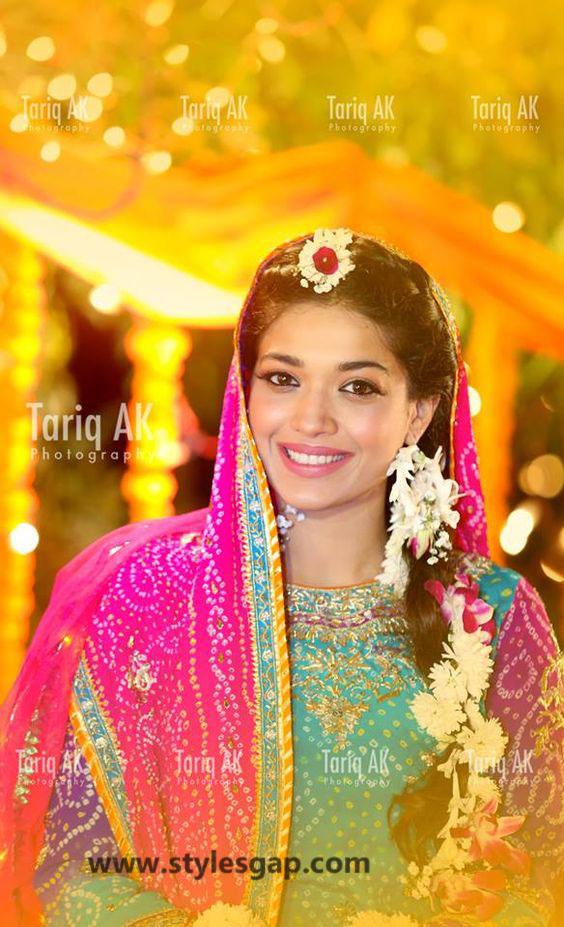 Mayun Bridals Makeup Looks & Dresses Designs & Trends (23)