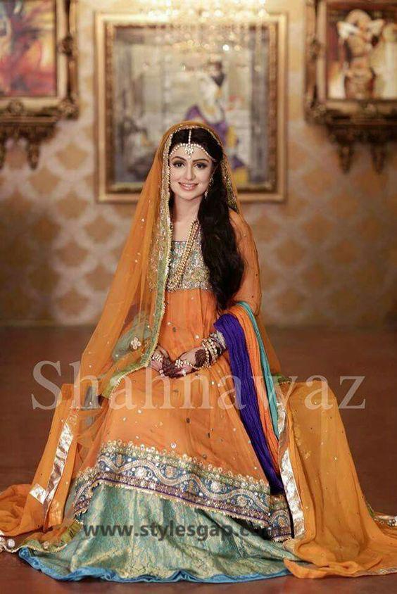 Mayun Bridals Makeup Looks & Dresses Designs & Trends (3)