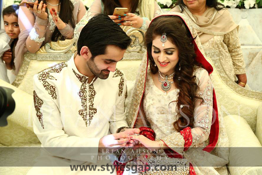 Nikkah Day Bridal Wedding Dresses Designs. (29)