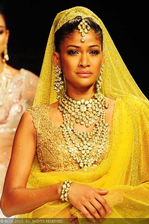 Carol Gracias- Top Ten Leading & Most Popular Female Indian Fashion Models- Super Models of India (3)