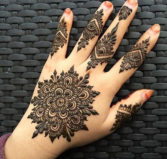 Eid Ul Azha Special Mehndi Designs Trends 20172018 Collection