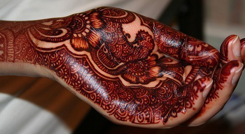 How to Make Mehndi Darker & long Lasting- Tips & Ideas (15)