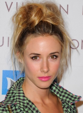 Latest Top Knot Hairstyles Trends & Styles- (16)