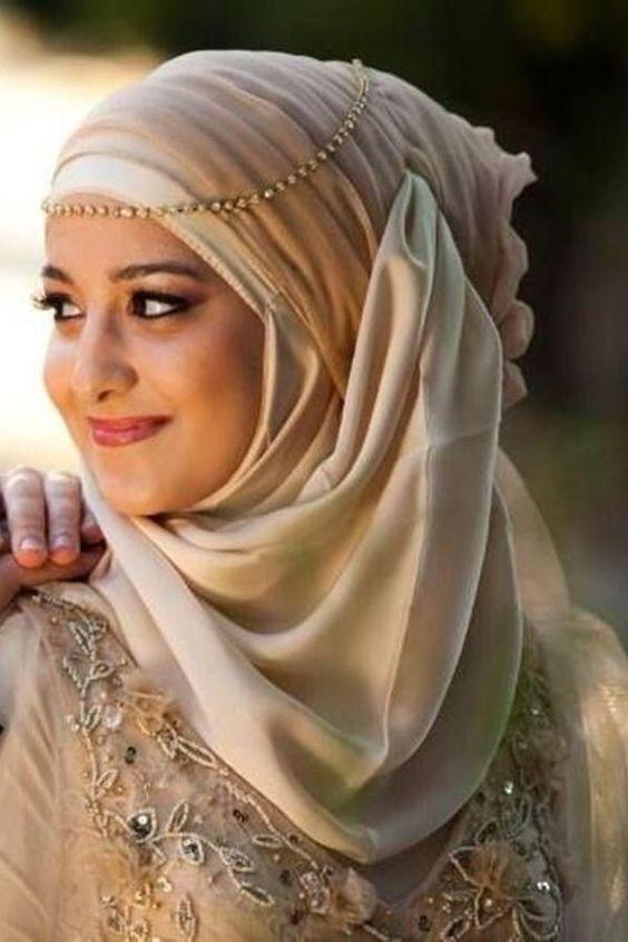 headband-hijab-top-winter-hijab-styles-with-tutorials-that-will-keep-you-warm-4