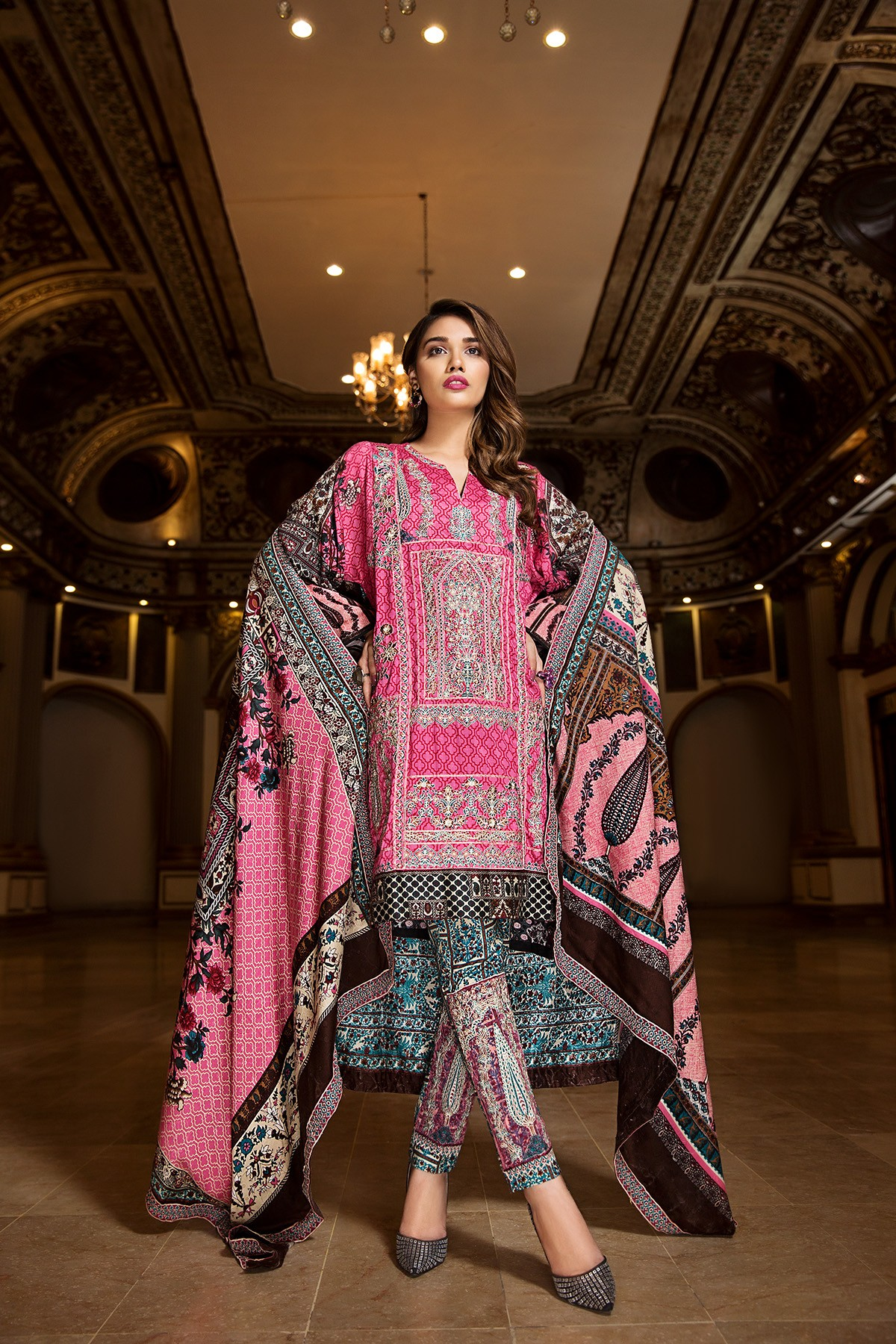5a6b0f1760 Khaddar- House of Ittehad Winter Embroidered Shawl Linen Dresses 2017-18 (3)